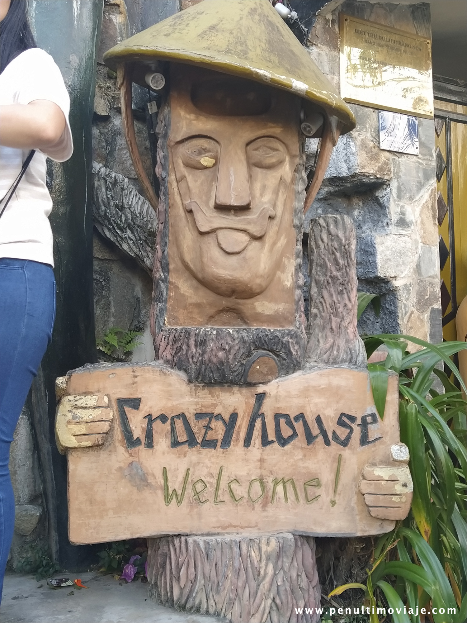 Welcome Crazy House